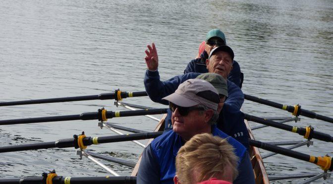 Mit 90 Jahren noch im Ruderboot